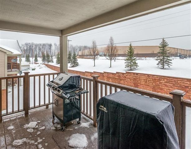 1457 Duncan Drive - Porch