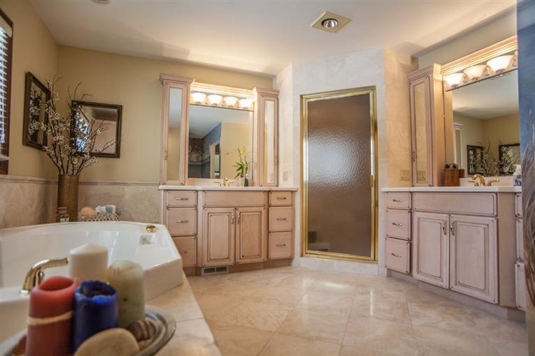 11223 North Ridge Rd Master Bath