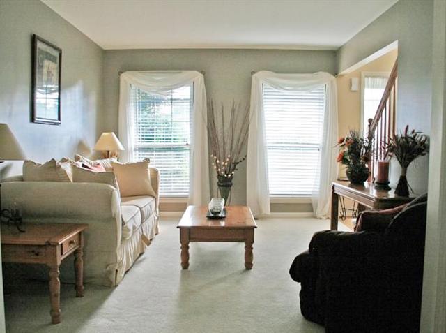 15459 Brookside Dr. - Sitting Area