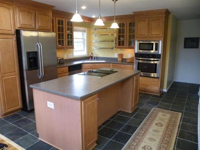 14100 Sharon Hollow Rd - Kitchen