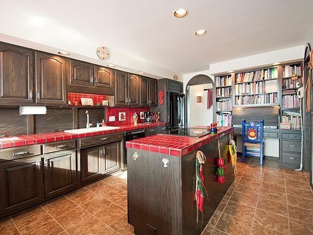 5708 Textile Road - Kitchen