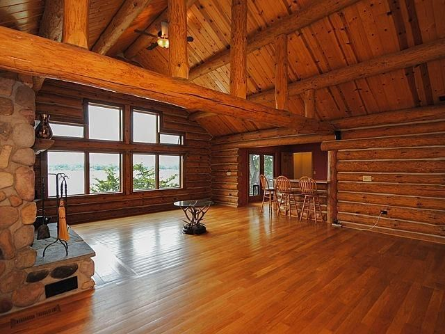 1344 Sugarloaf Lake - Living Room