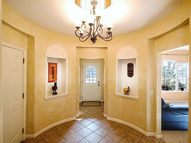 3842 Lake Pointe Lane - Foyer