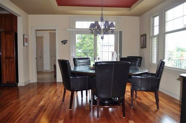 10321 Timber Ridge Drive - Eat in Kitchen