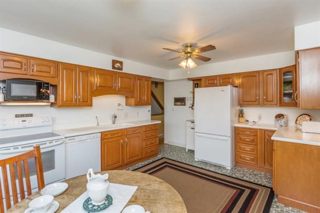 6640 Earhart Road - Kitchen