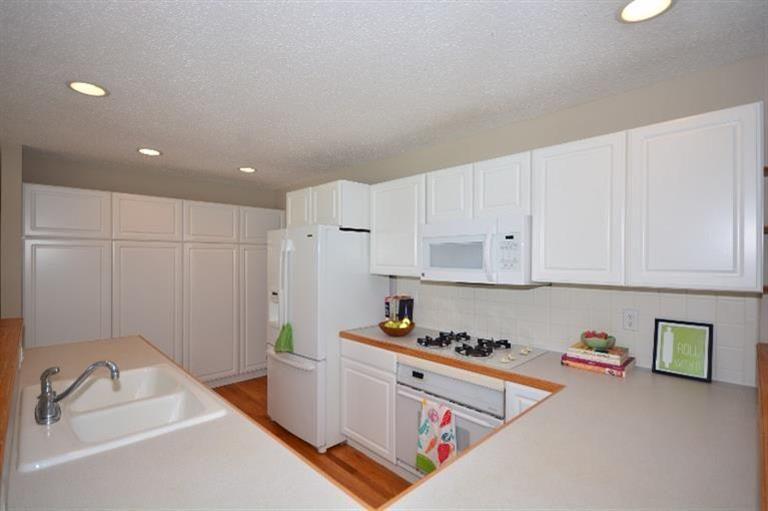 789 South Zeeb - Kitchen
