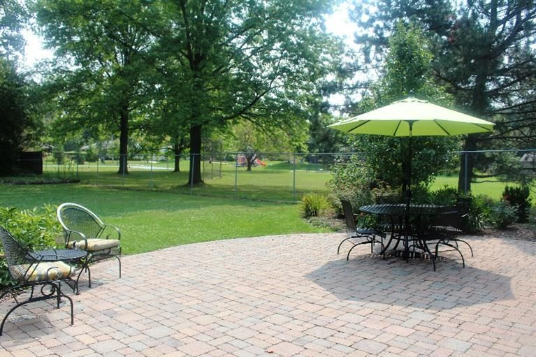 1514 Creal Crescent - Patio
