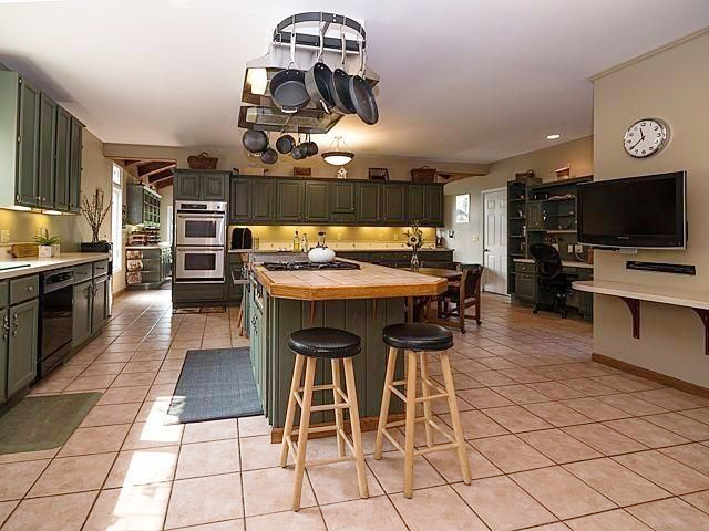 4001 Musbach Road - Kitchen
