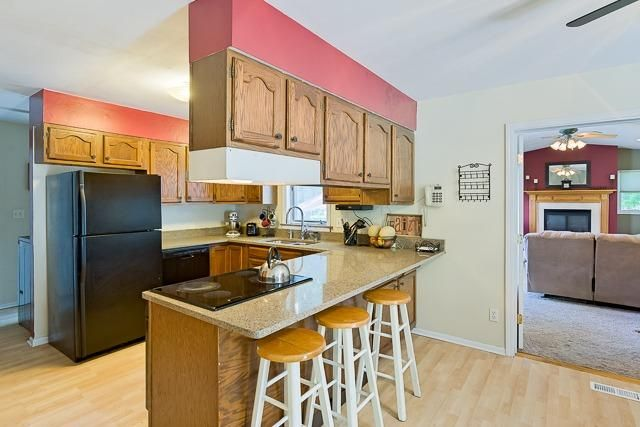 5713 Winslow Court - Kitchen