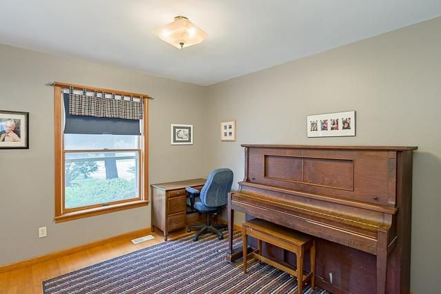 5713 Winslow Court - Office