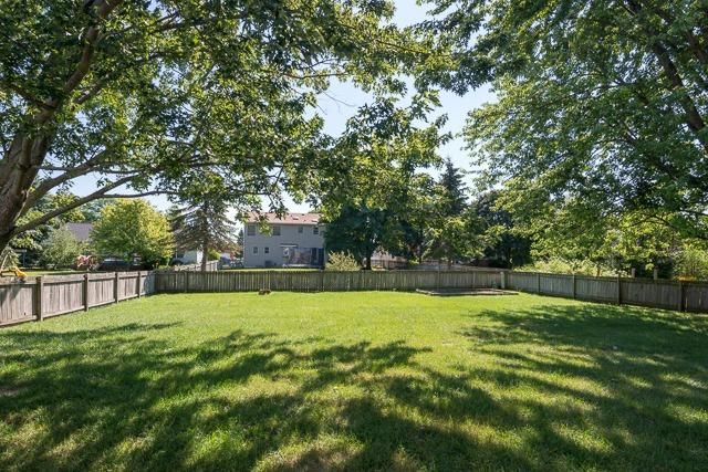 5713 Winslow Court -Yard
